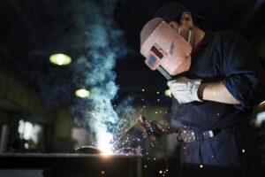 建設現場を支える鍛冶工事とは、いったいどんな工事でしょうか。